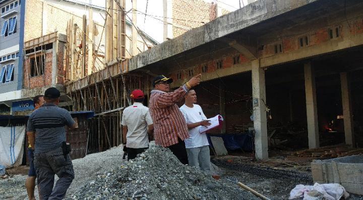 Sidak di lokasi pembangunan ruko yang disinyalir kental dengan masalah pada Sabtu sore (16/10/2019).