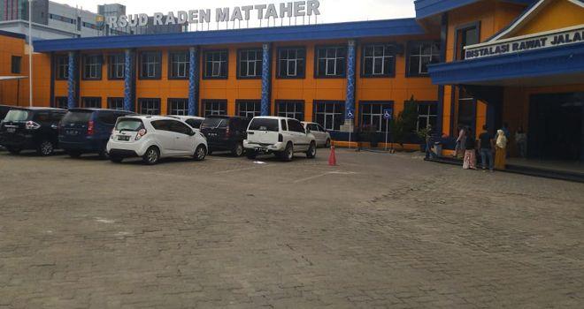 Di parkiran RSUD Raden Mattaher mobil mewah jenis Alphard dengan Nomor Polisi B 6 SJY hilang