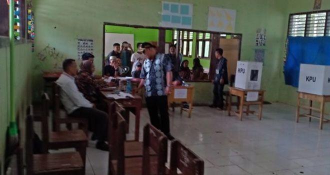 Wakil Bupati Tanjabtim Monitoring Pelaksanaan Pilkades Serentak.