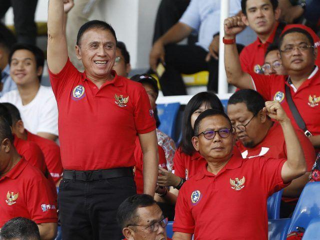 Ketua PSSI Iwan Bule memberikan dukungan kepada timnas saat melawan Thailand.