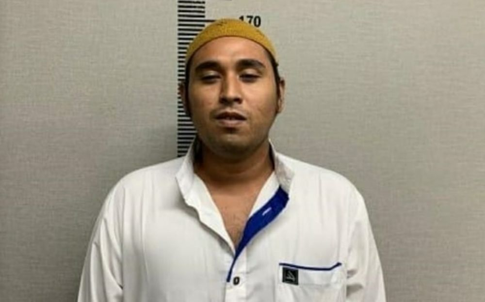 Penceramah yang dikenal dengan nama Jafar Shodiq.