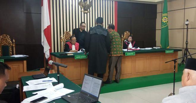 Buka Bukaan terus di lakukan para saksi yang hadir, kali ini giliran Mauli jika dia telah baru saja kembalikan uang Ketok palu yang di terimanya di tahun 2017.