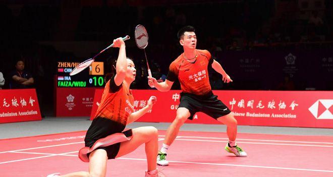 Zheng Si Wei (kanan) dan Huang Ya Qiong, salah satu ganda di Grup B BWF World Tour Finals 2019 yang membendung langkah dua wakil Indonesia.