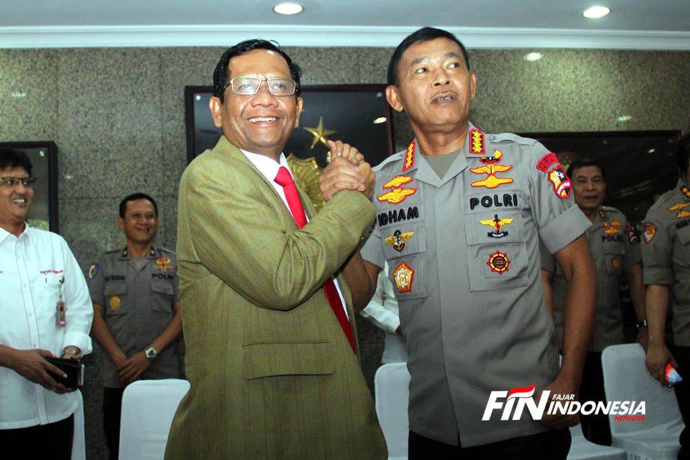 Menteri Koordinator bidang Politik, Hukum dan Keamanan (Menko Polhukam) RI, Mahfud MD menemui Kapolri Jendral Idham Azis di Gedung Rupatama Mabes Polri, Jakarta, Kamis (12/12/2019).