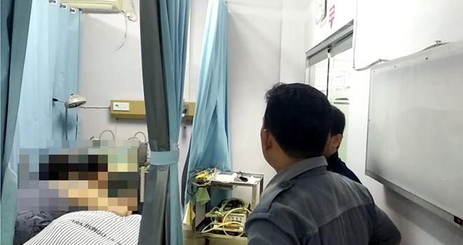 Tony warga keturunan Tionghua nekad mengakhiri hidupnya dengan cara bunuh diri, Jumat (13/12) sekitar pukul 20.30 WIB.
