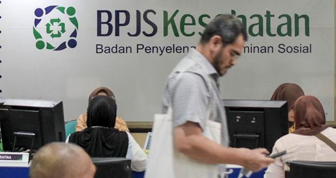 Aktivitas pelayanan di Kantor BPJS Kesehatan di kawasan Matraman, Jakarta.