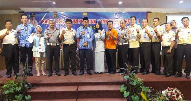 Foto bersama usai Rapat Kerja Samsat Semester II Tahun 2019.