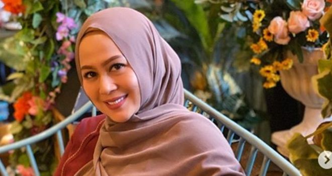 Shanty Widihastuti, istri dari Denny Cagur.