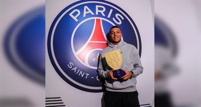 Kylian Mbappe sejauh ini belum juga memperpanjang kontraknya bersama Paris Saint Germain (PSG).