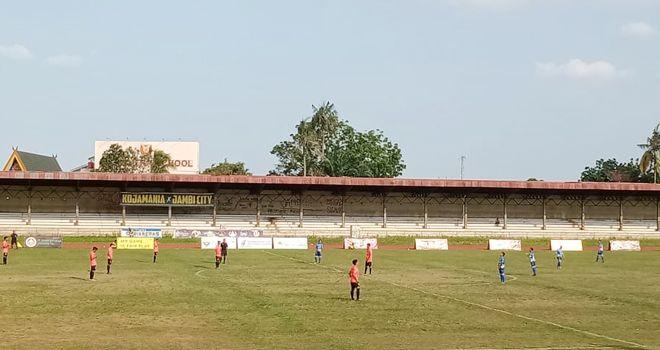 Pertandingan lanjutan Gubernur Cup 2020 di stadion Tri Lomba Juang, sore ini (14/1), mempertemukan PS Kerinci kontra PS Tanjab Barat.