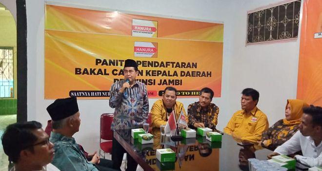 AJB dalam sambutannya mengatakan, jika tujuannya datang ke DPD Partai Hanura Provinsi Jambi ini tidak lain untuk mengharapkan dukungan untuk berkompetisi di Pilgub Jambi 2020.