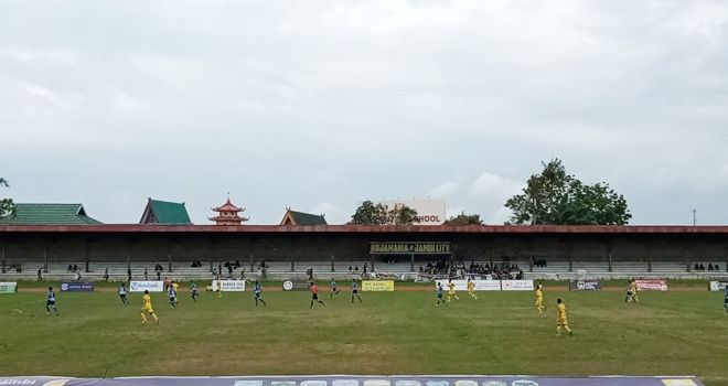 Pertandingan Gubernur Cup 2020 di stadion Tri Lomba Juang sore ini (16/1), mempertemukan PS Kota Jambi kontra PS Kerinci.