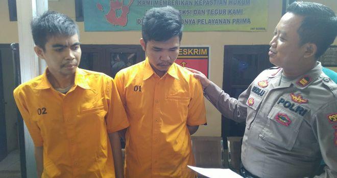 Dua orang pelaku curanmor yang beraksi di wilayah Telanaipura beberapa waktu lalu berhasil diciduk polisi. Keduanya diciduk berbekalkan rekaman CCTV.