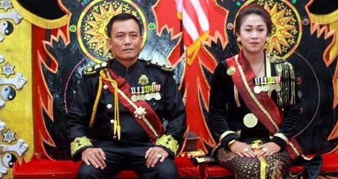Raja-Ratu Keraton Agung Sejagat, Totok Santosa dan Fanny Aminadia.