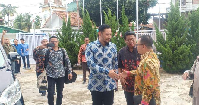 Wakil Ketua Umum (Waketum) Partai Demokrat Agus Harimurti Yudhoyono, melakukan kunjungan ke Provinsi Jambi, Jumat (24/1).