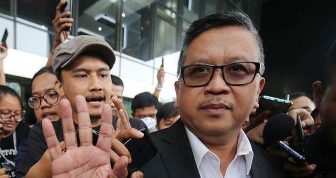 JADI SAKSI: Sekjen PDIP Hasto Kristiyanto di gedung KPK kemarin.