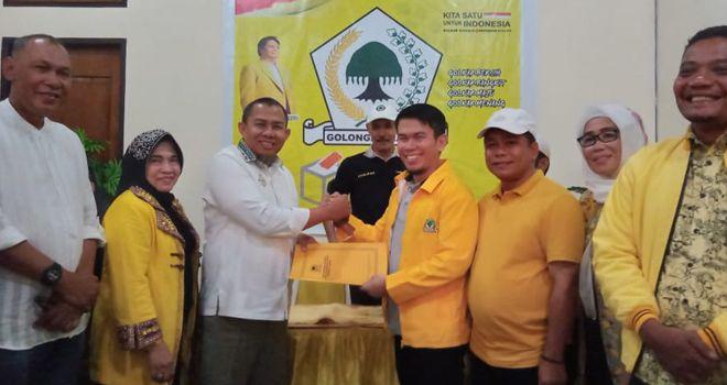Pengambilan formulir pendaftaran ini, Sabtu (8/2), orang nomor satu di Kota Jambi ini diwakilkan oleh tim pemenangannya yang dikomandoi H. Rahman.