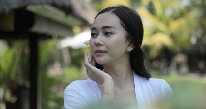 Aktris Aura Kasih.