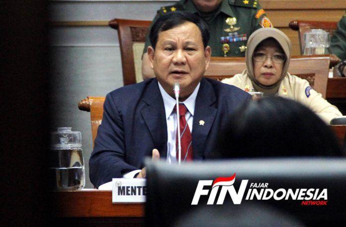 Menteri Pertahanan, Prabowo Subianto memberikan penjelasan dalam rapat kerja (Raker) dengan Komisi I DPR RI di Gedung Parlemen, Senayan Jakarta, Senin (11/11/2019).