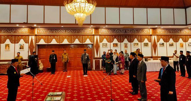 Pelantikan Tiga Pejabat Baru Pemprov Oleh Gubernur Jambi.
