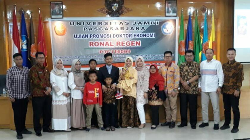 Ronal Regen, Kabid P3BKPSDM Kota Sungai Penuh Resmi Sandang Gelar Doktor.