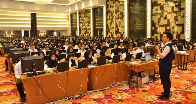 Peserta CPNS Kota Jambi yang mengikuti SKD (26/2).