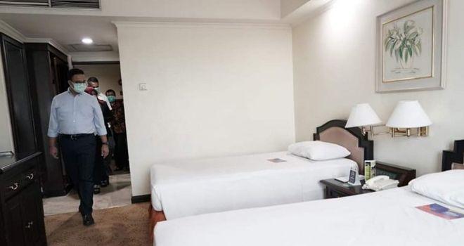 Anies Baswedan melakukan pengecekan secara langsung di Hotel BUMN milik DKI Jakarta untuk para Medis covid-19.