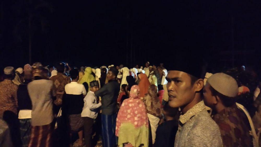 Ratusan Masyarakat Desa Nalo Gedang Dzikir Keliling Tolak Balak.