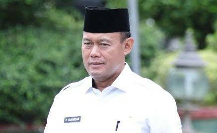 Bupati Tebo dua periode H Sukandar.