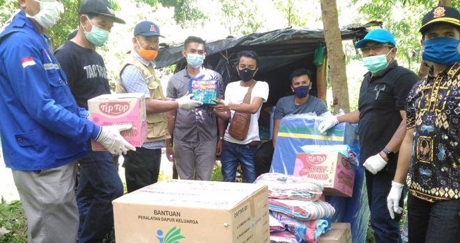 Selain memberikan bantuan, Tiga warga Desa Muak Kerinci yang di Karantina di Pondok Kebun yakni Ade, Hendri, dan Madi juga dilakukan Rapid Test oleh pihak Dinas Kesehatan dan Puskesmas Bukit Kerman.
