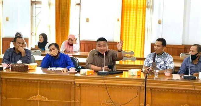Yoghie Verly Pratama Pimpinan Komisi II DPRD Kabupaten Batanghari.