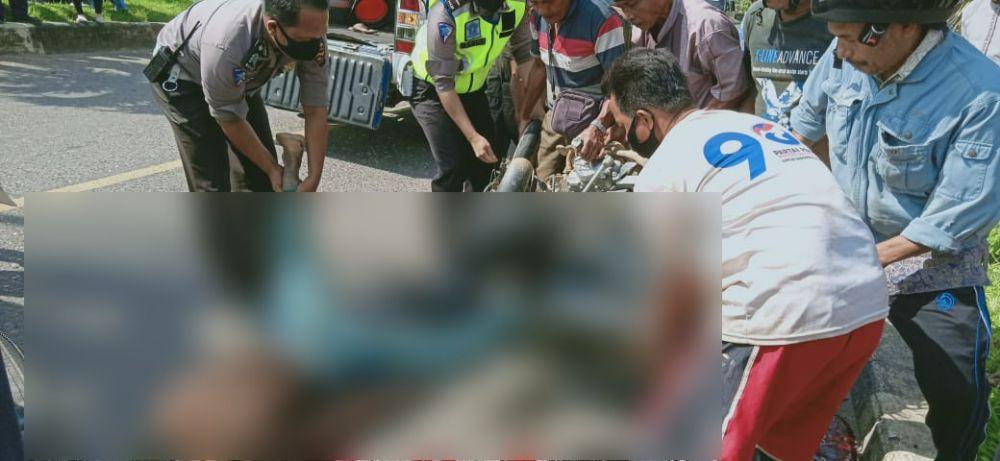 Akibat jatuh dari motor lalu terkena bedil sendiri, Mandri, seorang warga SAD di Merangin meregang nyawa