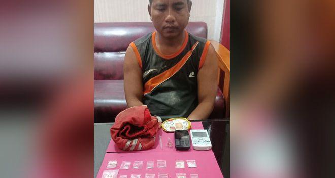 Pengedar sabu di Kecamatan Rimbo Bujang diringkus petugas berikut barang buktinya berupa sabu beberapa paket sabu siap edar