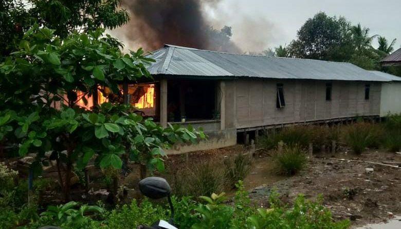 Rumah Warga di Tanjabtim Hangus Terbakar.