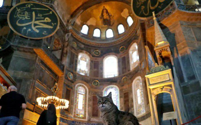 Museum Hagia Shopia menjadi Masjid