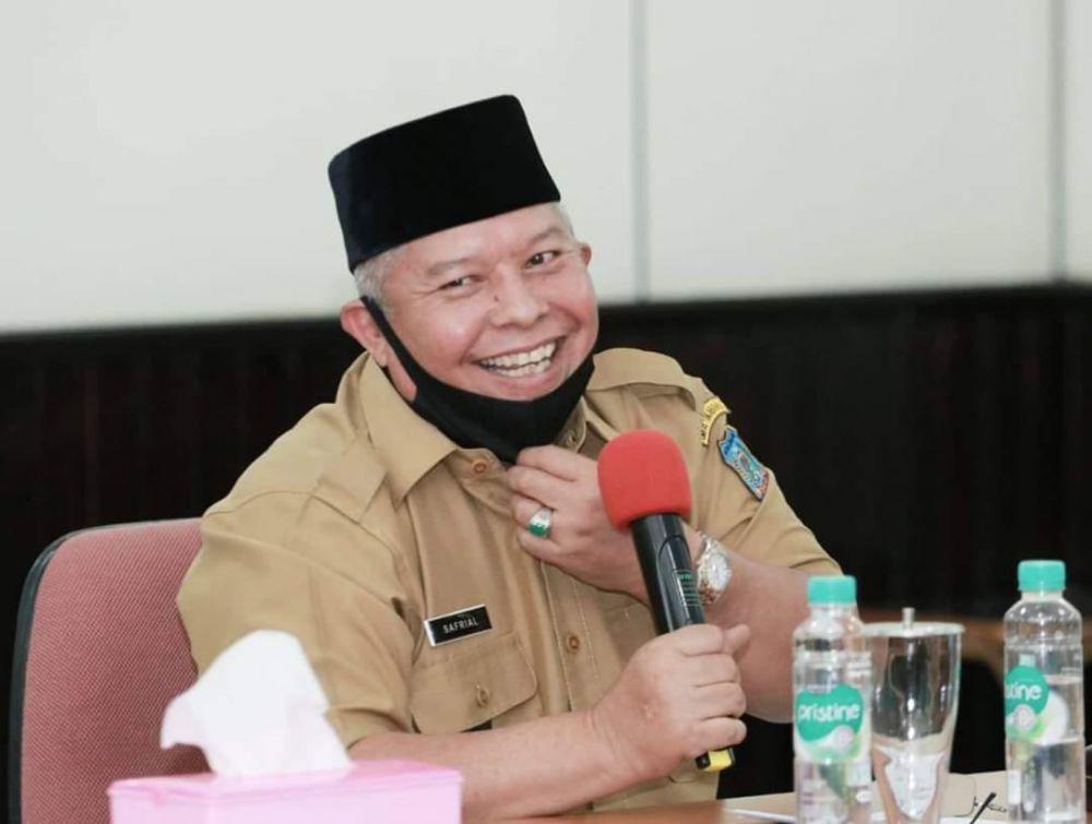 Bupati Tanjung Jabung Barat DR. H. Safrial.