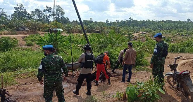 30 Sumur Ilegal Driling Desa Lubuk Napal di Police Line.