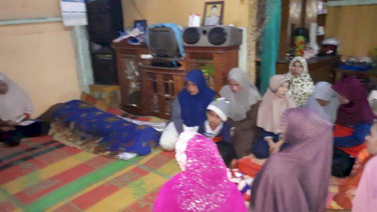 Mayat yang ditemukan dalam perladangan warga Desa Telun Berasap diketahui bernama Iwan (45) warga asal dari Koto Majidin. Kini jenazah sudah dikebumikan oleh pihak keluarga