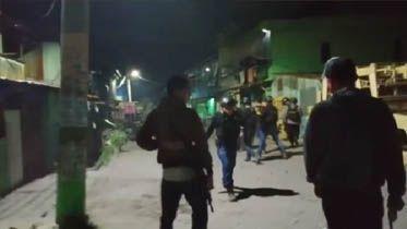 Polisi berusaha membuarkan aksi tawuran beberapa waktu lalu. (DOK.FAJAR)
