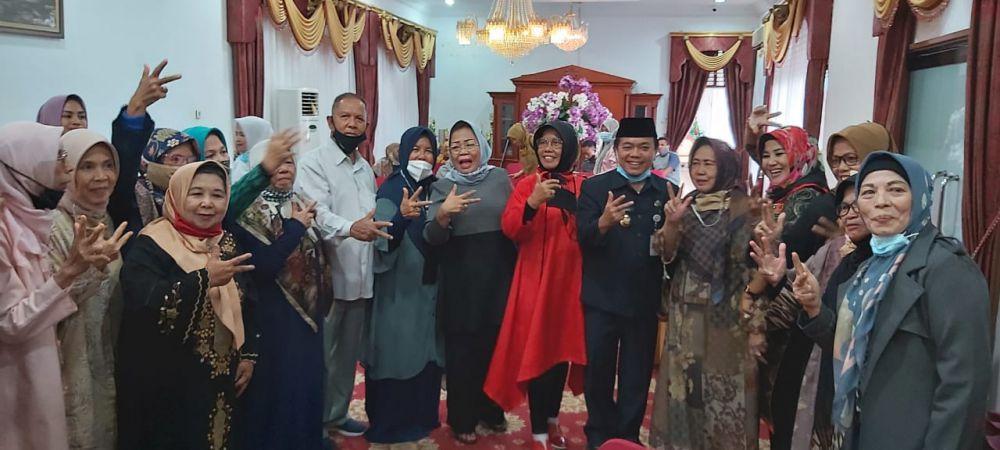 Dikomandoi Abdullah Hich, Pensiunan PNS Alumni APDN Jambi Dukung Penuh Haris-Sani