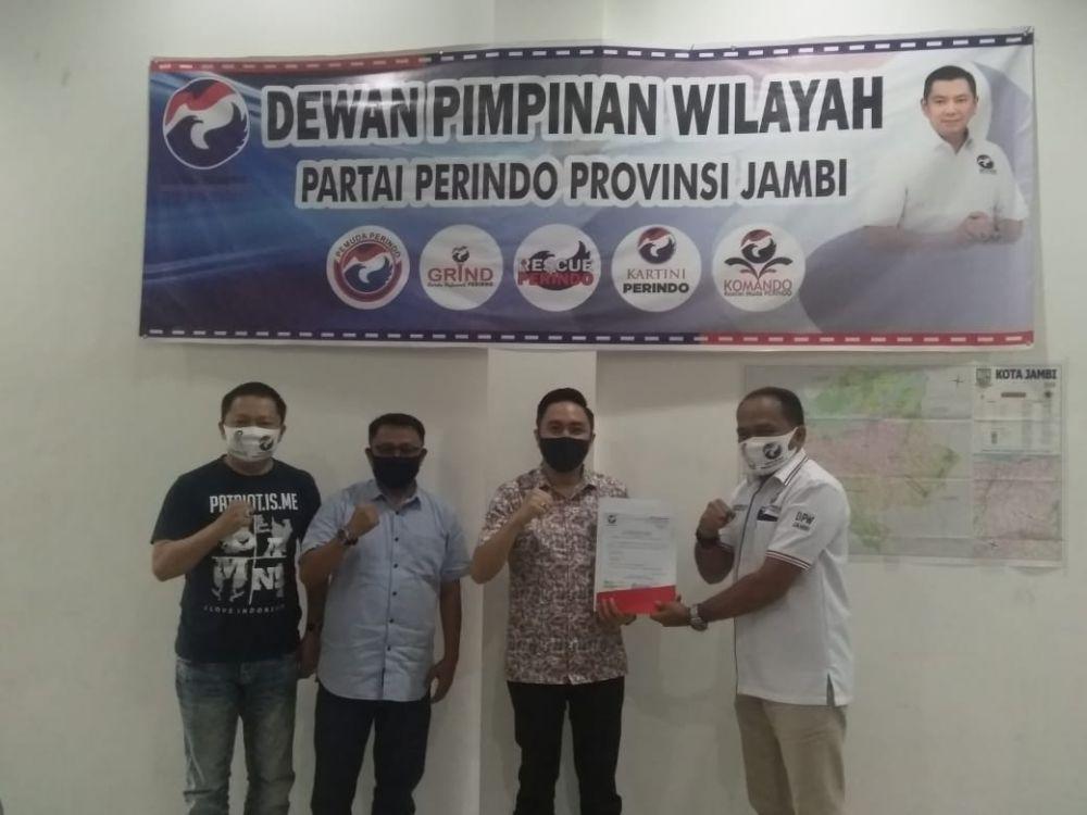Pasangan Fikar Azami-Yos Adrino menerima rekomedasi dukungan dari sekretaris DPW Perindo Provinsi Jambi, Eko Harwanto.