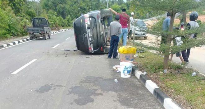 Mobil Wabup Sarolangun Laka Di Batanghari