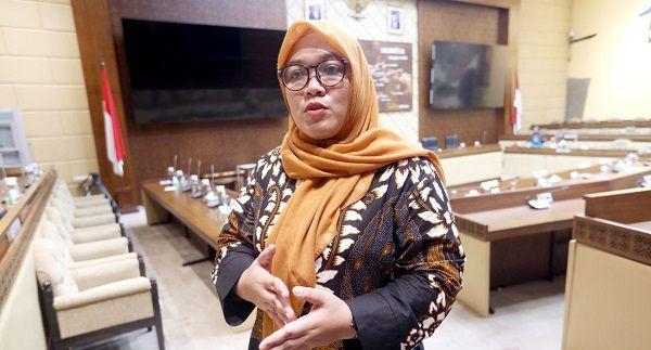 Koordinator honorer K2 Nur Baitih.