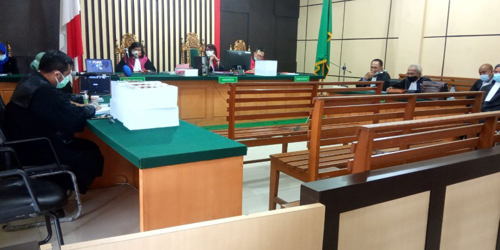 Sidang yang berlangsung di pengadilan Tipikor Jambi secara virtual itu beragendakan Pembacaan Tuntutan penuntut umum.