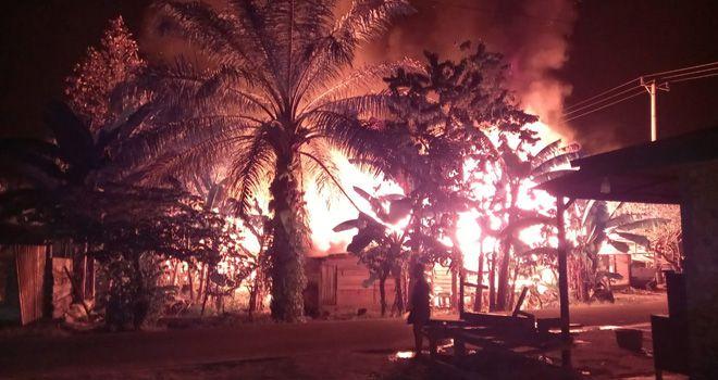 11 Ruko di Pasar Desa Purwodadi Terbakar