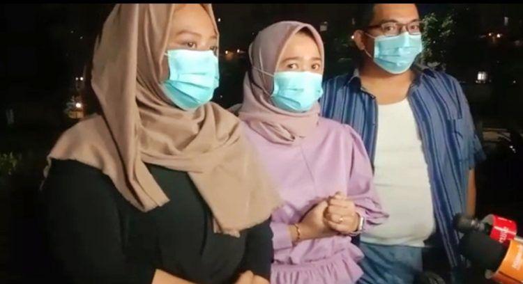 Keluarga Ririe Fairus menggelar jumpa pers di bilangan Pramuka Jakarta Timur, Rabu (17/2).