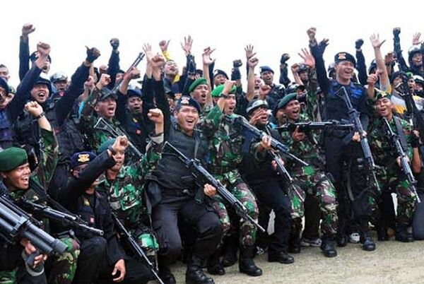 ILUSTRASI. Prajurit TNI dan Polri