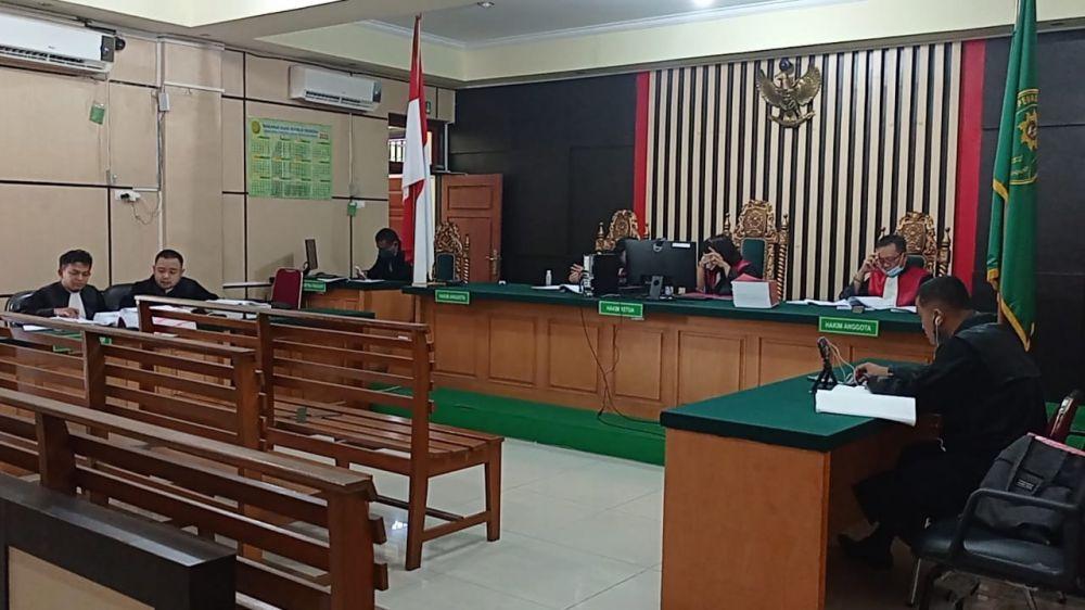Sidang yang berlangsung secara virtual di Pengadilan Negeri Tipikor Jambi untuk terdakwa Hasanuddin dan Firdaus yang terjerat kasus korupsi anggaran APBD Desa Air Gemuruh tahun 2018 sampai tahun 2019.