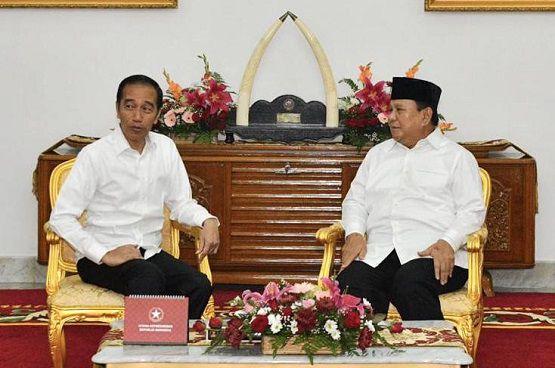 residen Joko Widodo dan Menhan Prabowo Subianto di Gedung Agung, Yogyakarta, Rabu (1/1).
