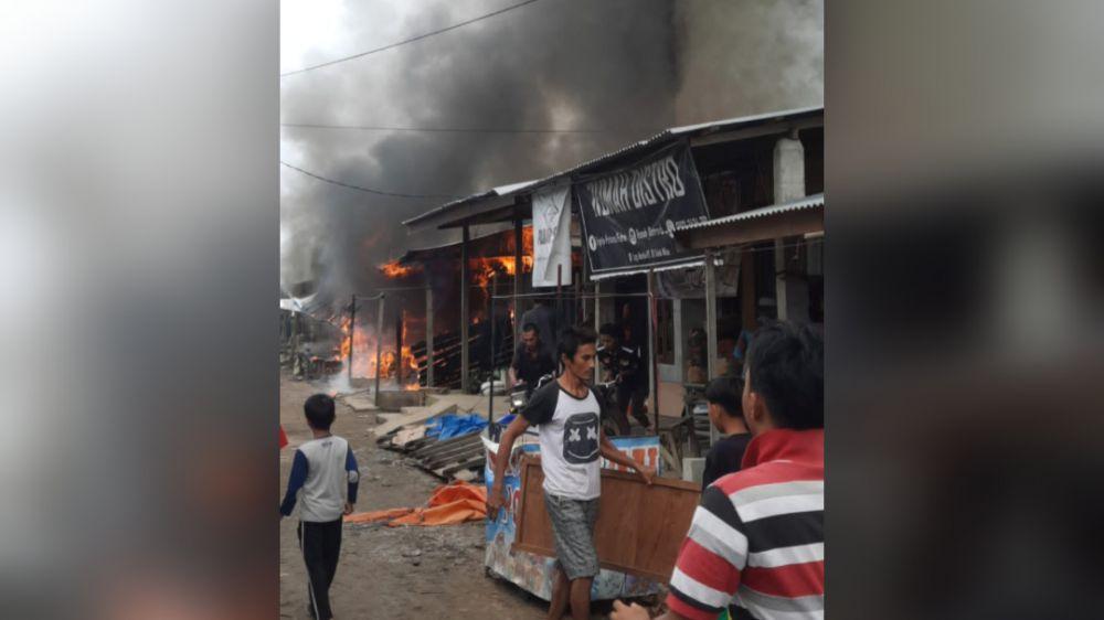 Kebakaran yang terjadi di Lorong Banjar, Kelurahan Teluk Nilau, Kecamatan Pengabuan.